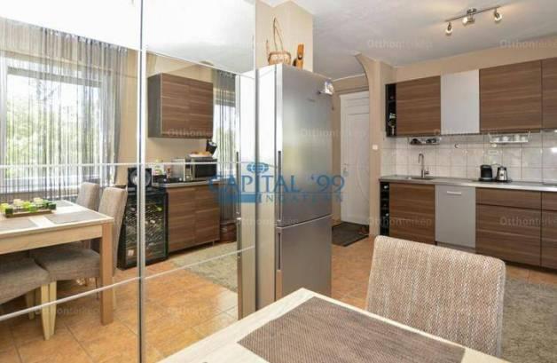 Hévízi lakás eladó, 61 négyzetméteres, 2 szobás