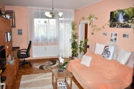 Kaposvári lakás eladó a Gróf Apponyi Albert közben, 52 négyzetméteres