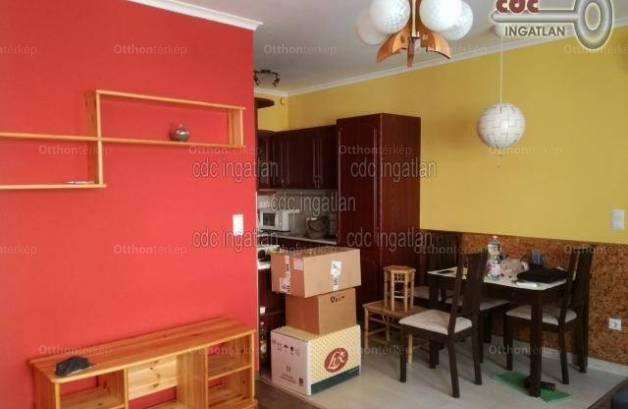 Eladó lakás Alsórákoson, XIV. kerület Szatmár utca, 3 szobás