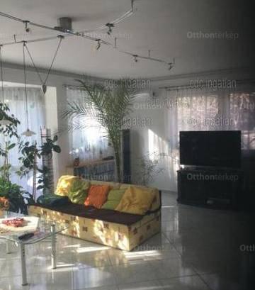 Eladó családi ház, Budapest, Alsórákoson, 300 négyzetméteres