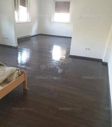 Családi ház eladó Csomád, 140 négyzetméteres