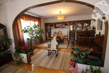 Kiskunfélegyháza 4 szobás családi ház eladó
