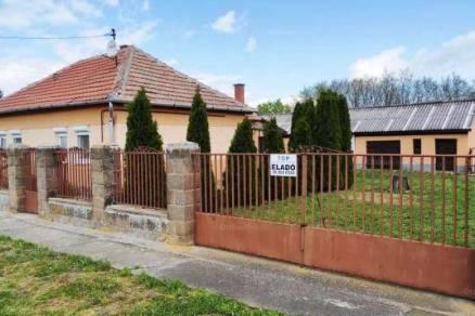 Eladó családi ház Egerfarmos, Dobó utca 25., 2 szobás