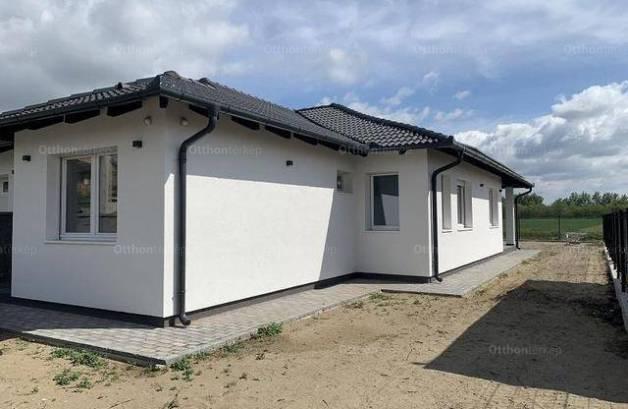 Új Építésű eladó családi ház Délegyháza, 4 szobás