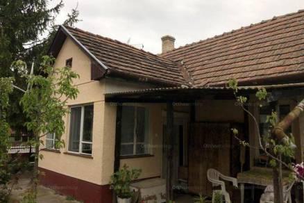 Hajdúszoboszlói eladó családi ház, 2+1 szobás, 106 négyzetméteres