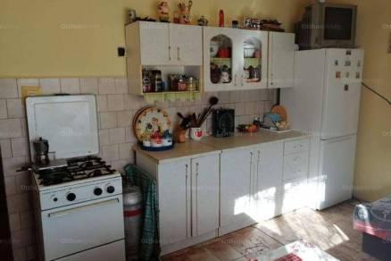 Eladó 2 szobás családi ház Baracs