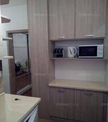 Pécsi kiadó lakás, 1+1 szobás, 35 négyzetméteres