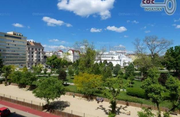 Budapest, VIII. kerület II. János Pál pápa tér