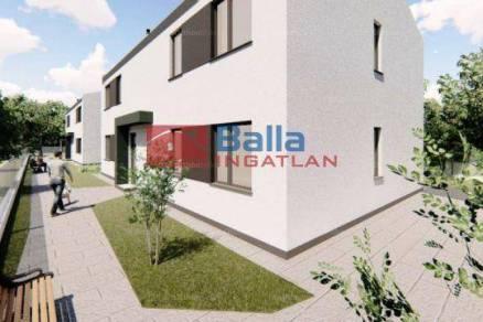 Lakás eladó Dunaharaszti, a Fő úton, 57 négyzetméteres