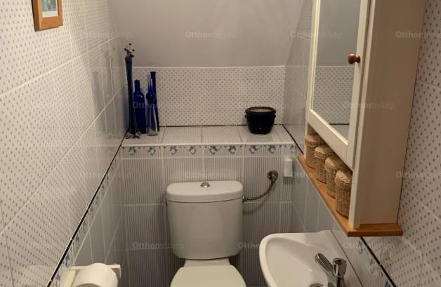 Budapest lakás eladó, Békásmegyeren, 4+1 szobás