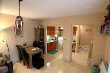 Váci lakás eladó, 54 négyzetméteres, 2 szobás