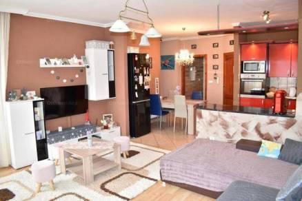 Eladó lakás Kaposvár az Uránia lakótelepen, 2+1 szobás