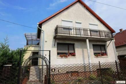 Fót eladó családi ház
