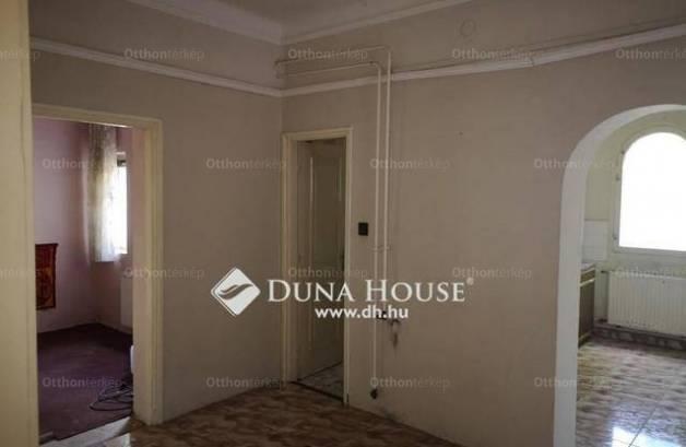 Budapesti családi ház eladó, Sashalom, 4+1 szobás