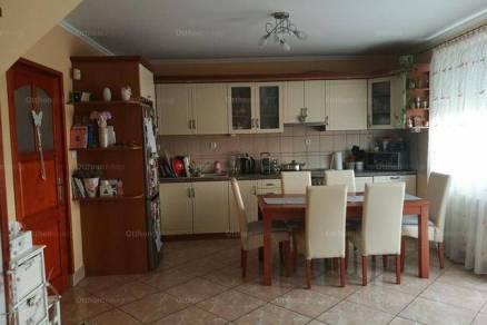 Debreceni eladó sorház, 2+1 szobás, 85 négyzetméteres