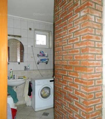 Eladó családi ház Nyíregyháza, 2+1 szobás