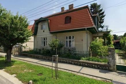 Eladó családi ház Kaposvár a Temesvár utcában, 8+2 szobás