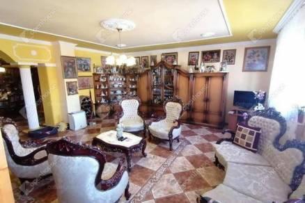 Győr családi ház eladó, 6 szobás
