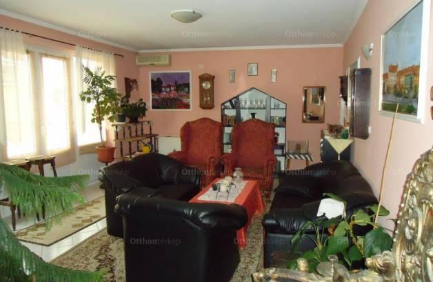 Pápai eladó családi ház, 545 négyzetméteres