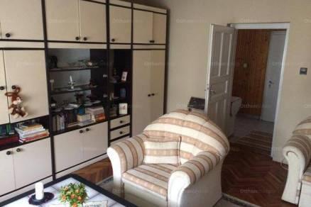 Pécsi eladó családi ház, 3+1 szobás, a Keszüi úton