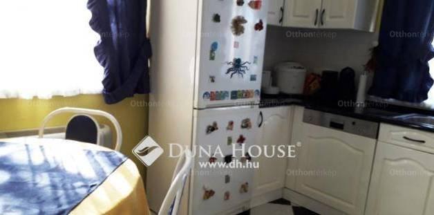 Családi ház eladó Gyöngyössolymos, 165 négyzetméteres