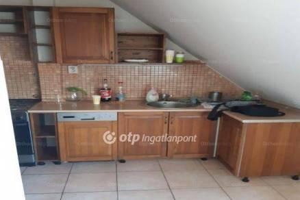 Miskolc 3+1 szobás lakás eladó a Petneházy Dávid utcában