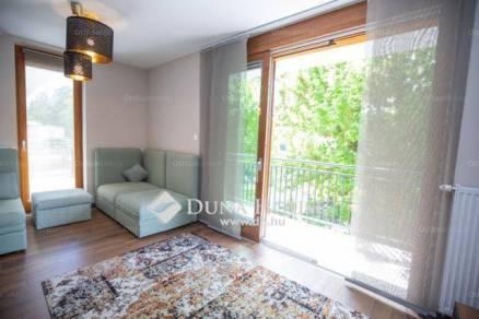 Eladó 2+2 szobás lakás Rómaifürdőn, Budapest, Nánási út