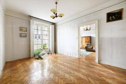 Budapesti lakás eladó, Krisztinavárosban, Attila út, 2+1 szobás