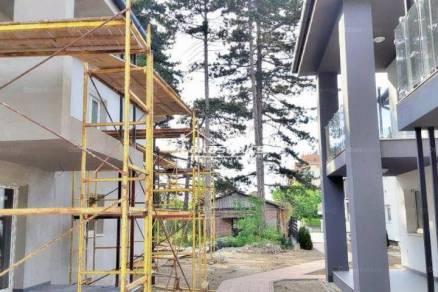 Siófoki új építésű lakás eladó, 57 négyzetméteres, 1+2 szobás