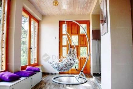 Eladó családi ház Sukoró, 1 szobás