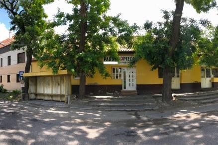Kecskeméti családi ház eladó Akácfa utca 27-ben, 511 négyzetméteres