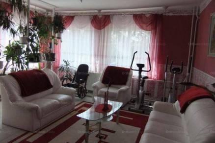 Füzesabonyi eladó családi ház, 5 szobás, 135 négyzetméteres