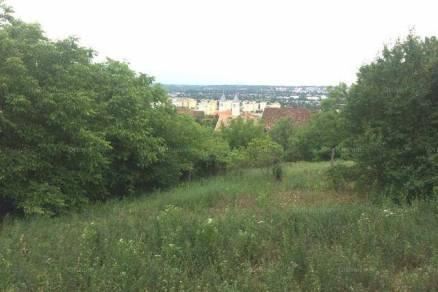 Pécsi új építésű házrész eladó, 2376 négyzetméteres