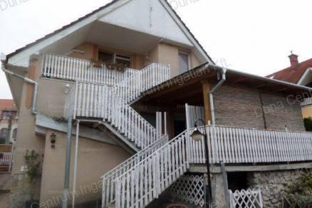 Alsópáhoki eladó családi ház, 5 szobás, 220 négyzetméteres