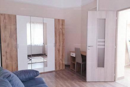 Kiadó lakás Szeged, 2 szobás