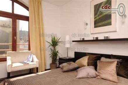 Eladó lakás, Budapest, Belváros, Veres Pálné utca, 6 szobás