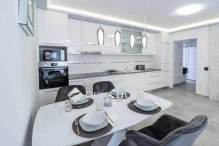 Zamárdi új építésű lakás eladó, 2+1 szobás