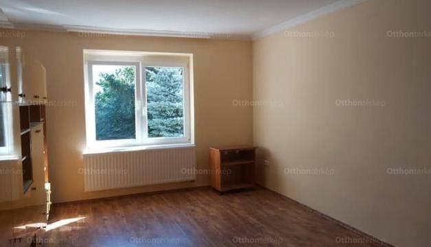 Pápa lakás eladó, 2 szobás