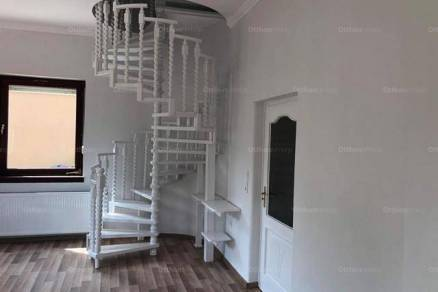 Bajai eladó családi ház, 4+1 szobás, 190 négyzetméteres
