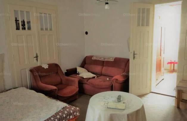 Eladó 4+1 szobás családi ház Nógrádmarcal