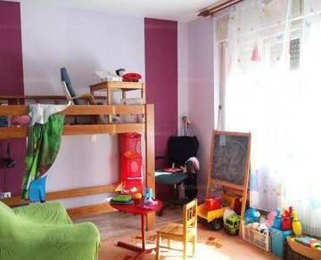 Eladó 3+1 szobás családi ház Hatvan