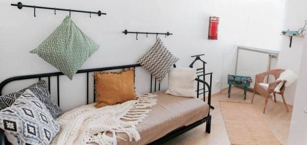 Budapesti lakás eladó, Belvárosban, Váci utca, 3+1 szobás