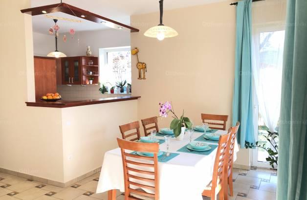 Eladó családi ház Baross Gábor-telepen, 5+1 szobás