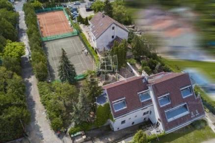 Budapest eladó sorház