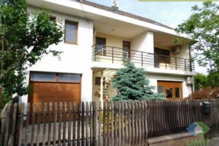 Kiadó 4 szobás lakás Szeged