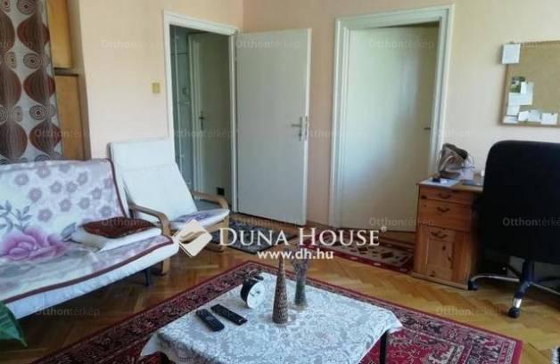 Eladó lakás Pécs a Kodály Zoltán utcában, 2 szobás