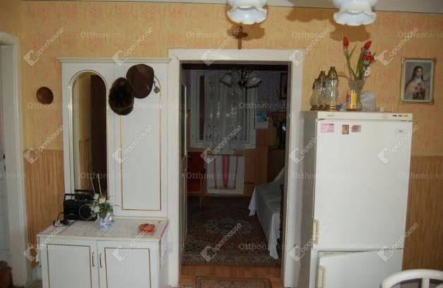 Hosszúvölgy családi ház eladó, 2 szobás