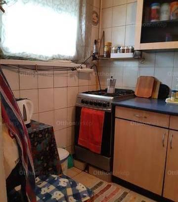 Debreceni lakás eladó, 61 négyzetméteres, 2 szobás