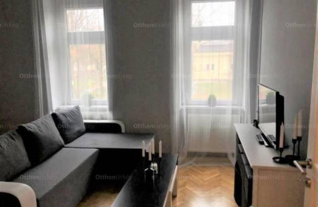 Kiadó 1+1 szobás lakás Szeged a Lechner téren