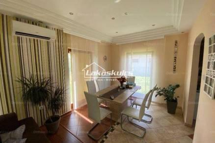 Nagycenki eladó családi ház, 4 szobás, 110 négyzetméteres